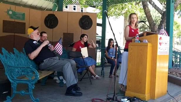 Laura McIntyre addressing El Paso rally.